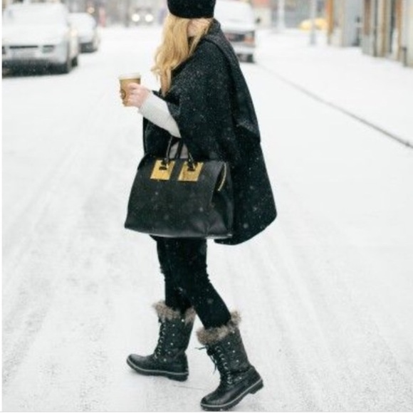 Sorel Tofino Black Quilted Boots